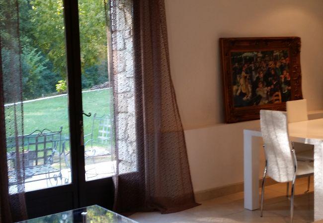 Villa à Grasse - MAGNIFIQUE MAISON EN PIERRE dans la CAPITALE de PARFUMS - WIFI - PARKING [78lm]
