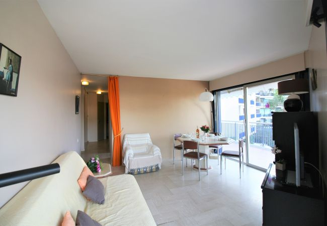 Appartement à Mandelieu-la-Napoule - VUE GOLF - PARKING - PISCINE [OAP3390]