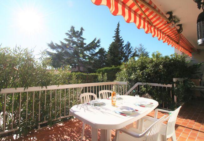 Appartement à Mandelieu-la-Napoule - 2PCS - PROCHE MER - WIFI - PRK [OAP3446]